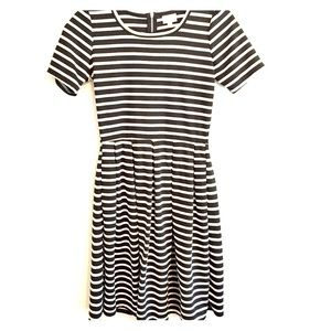 Lularoe AMELIA black & white striped dress Size sm